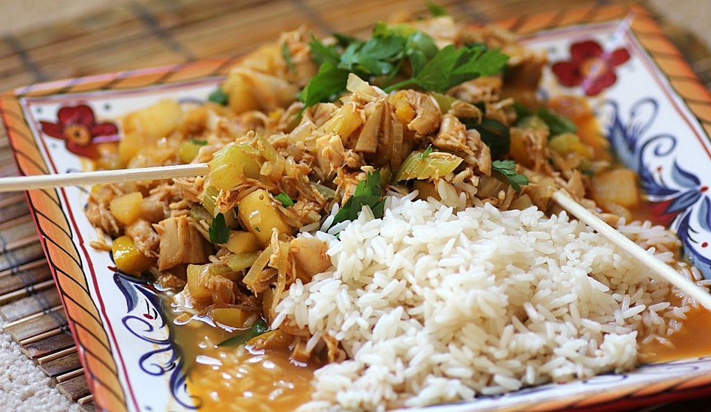 Chicken with Red Curry and Apples