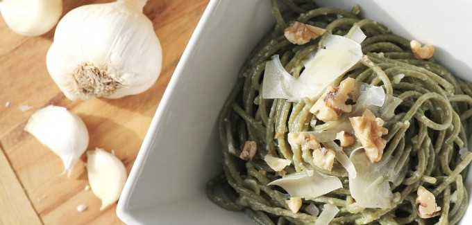 Spinach Pasta with Garlic and Olive Oil
